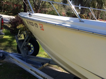 Offering: Boat detailing and waxing