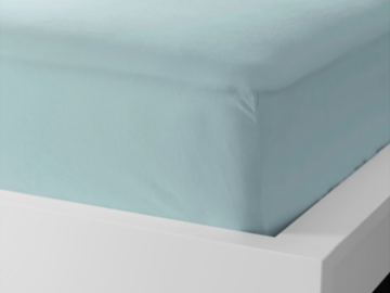 Myydään: two bed sheets and a blanket