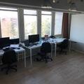 Renting out: Vuokrataan pöytäpaikkoja Alppilassa