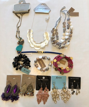 100 pieces HIGH END DESIGNER JEWELRY MACYS BCBG GUESS