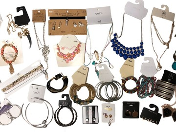 Buy Now:  Overstock Jewelry Lots 200 pieces