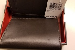 Sell: 20 MUNDI MEN'S LEATHER WALLETS, $800 RETAIL VALUE
