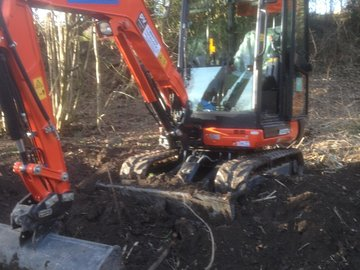 Daily Equipment Rental: 3ton mini excavator