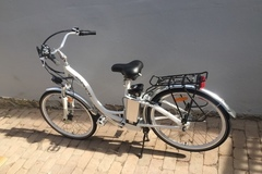 Daily Rate: Electric Bike - White