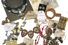Sell: 200 PIECES DESIGNER NAME BRAND JEWELRY-  Erica Lyons, Expres