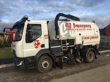Hourly Equipment Rental: Road sweeper hire