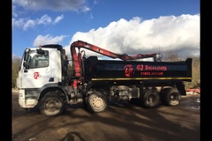 Hourly Equipment Rental: Grab lorry hire