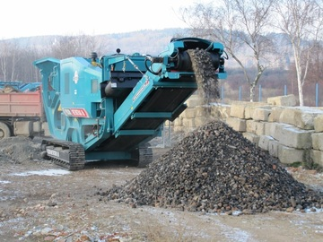 Daily Equipment Rental: Powerscreen Metrotrak Jaw Crusher