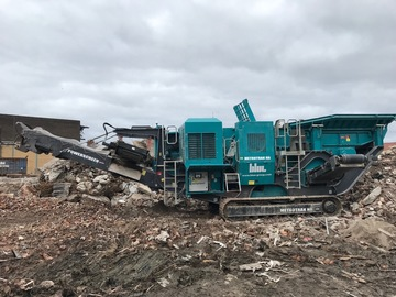 Hourly Equipment Rental: Powerscreen Metrotrak Jaw Crusher