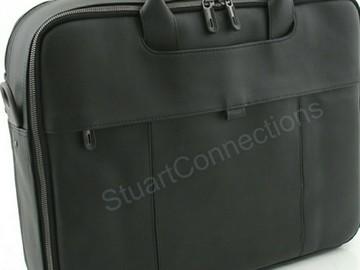 """Myydään: A 15"""" leather laptop case"""