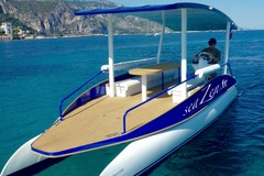 Rent per hour: Solar boat tour between Nice and Monaco