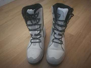 Annetaan: Almost new snow boots size 39