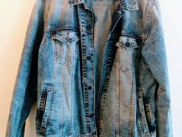 Myydään: Denim Jacket