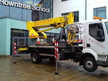 Daily Equipment Rental: 22m truck mount cherry picker with operator