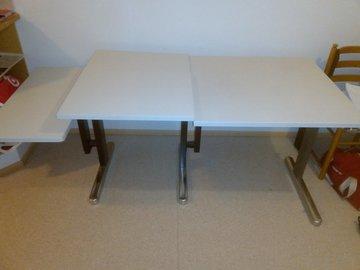 Myydään: Table, 2 desks and shelf (free)