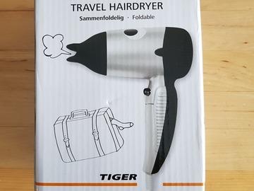 Myydään: small travel hair dryer