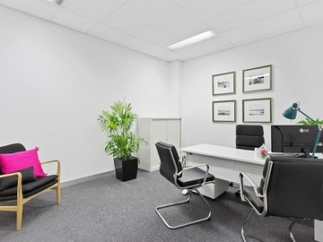 Paid: FULLY SERVICED OFFICE SPACE HIRE - HANWORTH OFFICE PACKAGE