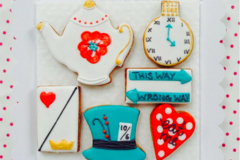 Selling a product: Beautiful and unique iced biscuits handmade to order