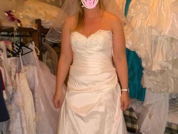 Ilmoitus: Käyttämätön Wtoo Brides by Watters-häämekko