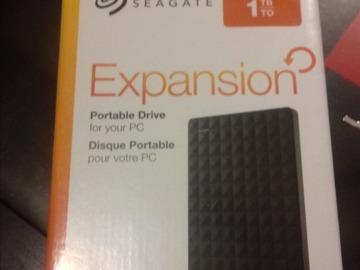 Myydään: seagate 1 TB portable disk drive
