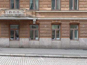 Renting out: Työpöytäpaikkoja Katajanokalla / Studio desks in Katajanokka