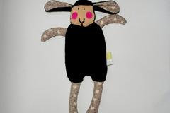 Vente au détail: Doudou Mouton Noir - Mon petit coeur - création originale