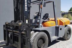 En alquiler: Autoelevador marca Landmarck 10 Ton. Diesel