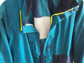 Selling: Hellyhansen wayerproof. Windproof jaket. Breathble