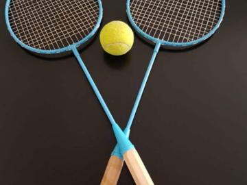 Myydään: badminton    rackets