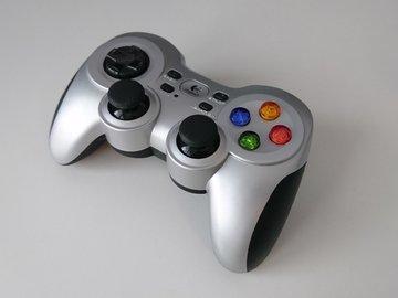 Selling: Logitech Gamepad F710