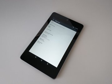 Selling: Nexus 7 with Android 7.1.2