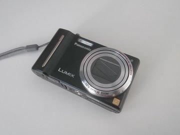 Selling: Panasonic Lumix DMC-ZS6 Digital Camera