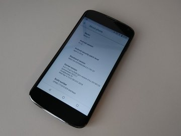 Selling: Nexus 4 with Android 8.1