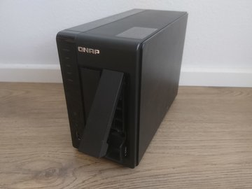 Selling: TS-219 pII NAS with 2x 2TB HDD