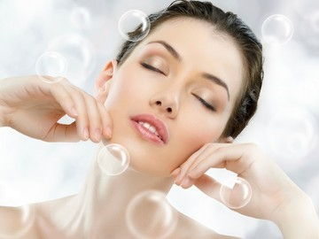 Ofreciendo Servicios: Deep clean facial + collagen + regular mani/pedi + Blow dry
