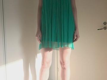 Ilmoitus: Ihana naisellinen mekko häätilaisuuteen