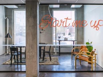 Renting out: Coworking-yhteisö, luovia neukkareita, toimistoja