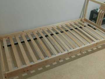Myydään: Single bed