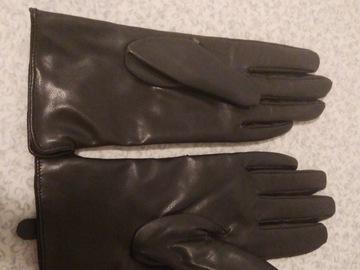 Myydään: HM gloves (size: XS)
