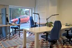 Renting out: Pöytäpaikka esim. tutkijalle tai kirjoittajalle