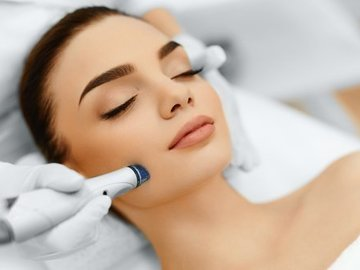 Ofreciendo Servicios: One Anti-Aging Facial with Microdermabrasion. Normally $165