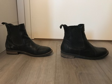 Myydään: Boots sell