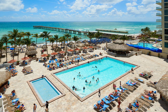 Newport Beach Resort Miami Florida Max 3 Nights