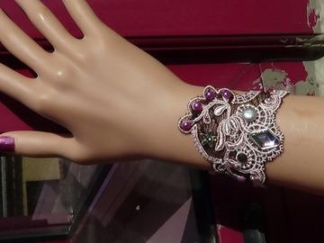 Vente au détail: bracelet  dentelle rose brodée tulle noir