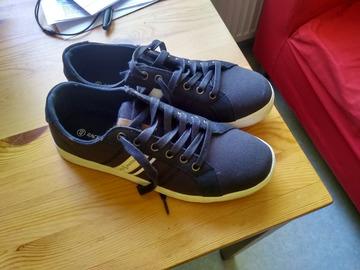 Myydään: Race Marine shoes Size 40