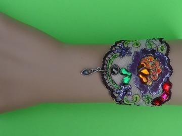 Vente au détail: Bracelet fille dentelle, parme, strass,