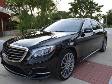 Offering Services: Luxury Sedan Mercedes S550 with private chauffeur in Miami