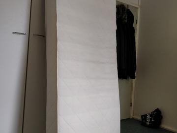 Myydään: 80 x 200 mattress
