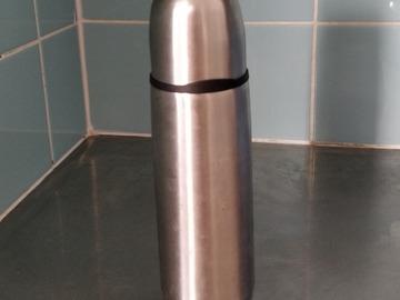 Myydään:  Thermosflask