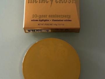 Venta: KAT VON D Metal Crush Extreme Highlighter Anniversary - Ilum